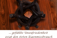 gefuehlte-Unzufriedenheit-zeigt-den-steten-Eigenmissbrauch-unbearbeiteter-Themen